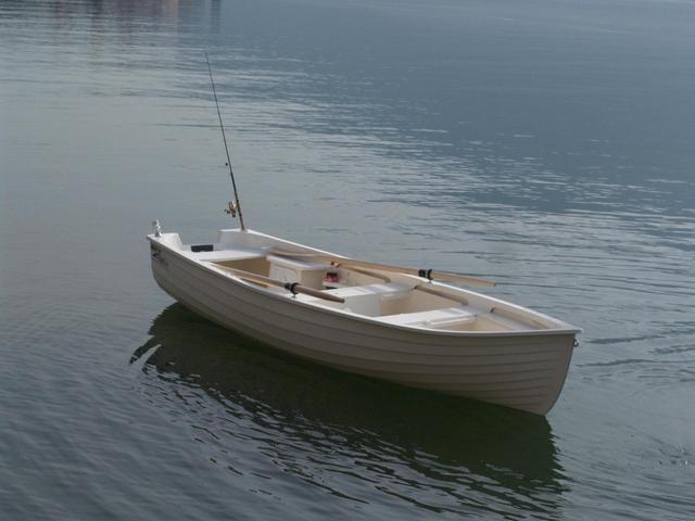 Barca leggera in vetroresina la cura dello yacht for Barca lancia vetroresina